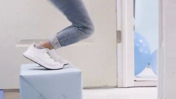 Hickies TV Spot, 'First Shoelaces' - Thumbnail 9