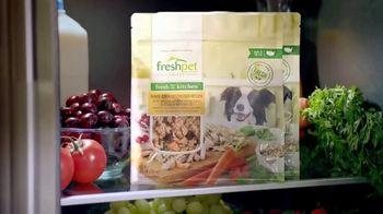 Freshpet Select TV Spot, 'Booba the 130-Pound Lap Dog' - Thumbnail 7