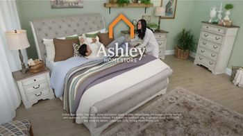 Ashley HomeStore Presidents Day Sale TV Spot, 'Doorbusters: Reclining Sofa and Dining Set' - Thumbnail 9