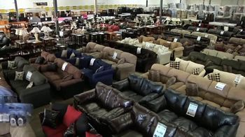 American Freight Red Tag Blowout TV Spot, 'Bedroom Sets and More' - Thumbnail 1