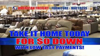 American Freight Red Tag Blowout TV Spot, 'Bedroom Sets and More' - Thumbnail 3