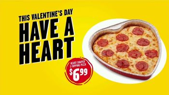 Hungry Howie's Heart-Shaped Pizza TV Spot, 'Valentine's Day' Song by Montell Jordan - Thumbnail 6