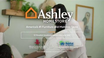 Ashley HomeStore Presidents Day Sale TV Spot, 'Amazing Doorbusters: Sofa and Bed' - Thumbnail 7