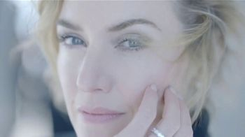 Lancôme Paris Advanced Génifique TV Spot, 'Ama tu edad' con Kate Winslet [Spanish] - Thumbnail 7