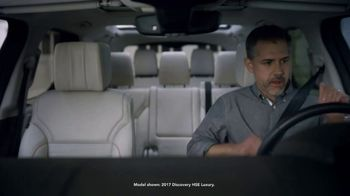 2018 Land Rover Discovery TV Spot, 'Optional Seat Fold: Hiding' [T2] - Thumbnail 2