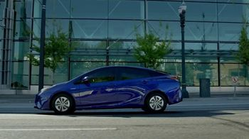 2018 Toyota Prius TV Spot, 'Live With Innovation' [T2] - Thumbnail 1