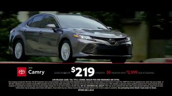 Toyota TV Spot, 'Time to Go: Camry and Corolla' [T2] - Thumbnail 4