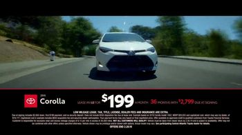Toyota TV Spot, 'Time to Go: Camry and Corolla' [T2] - Thumbnail 5