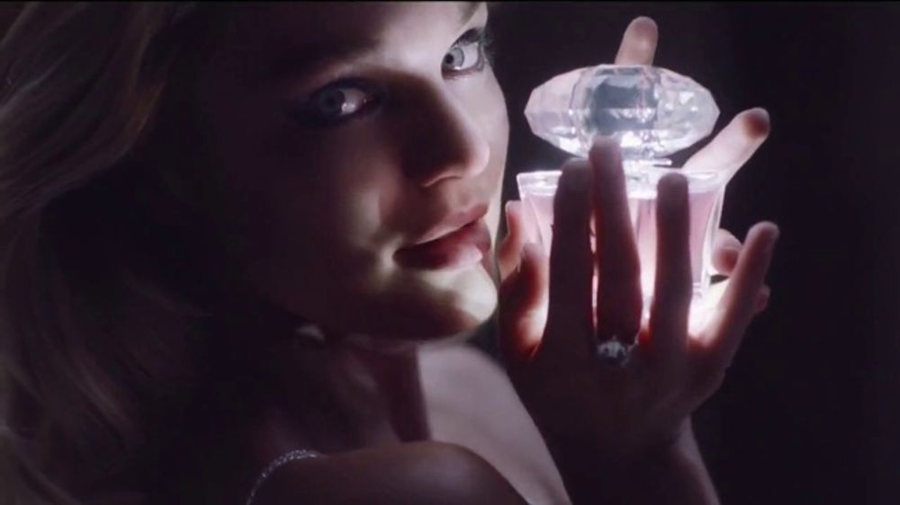 Versace Fragrances TV Commercial, 'Less Conversation' Featuring Candice Swanepoel, Song by Waldeck