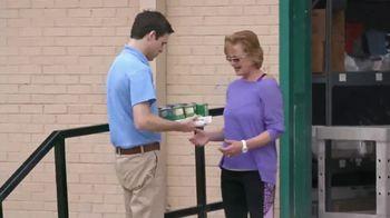 2019 Honda CR-V TV Spot, 'Random Acts of Helpfulness: Food Bank' [T2] - Thumbnail 3