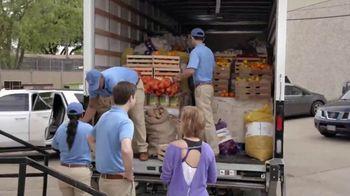 2019 Honda CR-V TV Spot, 'Random Acts of Helpfulness: Food Bank' [T2] - Thumbnail 6