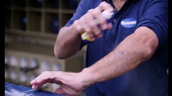 Blue-Emu Continuous Pain Relief Spray TV Spot, 'Fastball' Featuring Johnny Bench - Thumbnail 6