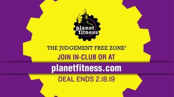 Planet Fitness 25 Cent Down Black Card Sale TV Spot, 'All the Perks' - Thumbnail 9