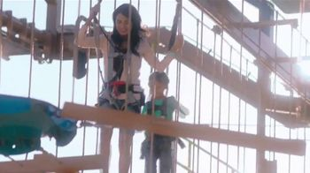 Great Wolf Lodge TV Spot, 'Not Just Mom: 30 Percent Off' - Thumbnail 4