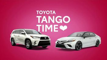 Toyota Tango Time Sales Event TV Spot, 'Swing In: Camry and Highlander' [T2] - Thumbnail 4