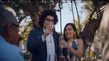 Discover Los Angeles TV Spot, 'LA Everybody' Song by Father John Misty - Thumbnail 7