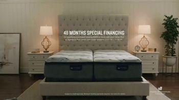 American Signature Furniture Presidents Day Mattress Sale TV Spot, 'Miracle Foam Set' - Thumbnail 7