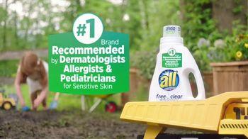 All Free Clear TV Spot, 'Sensitive Skin' - Thumbnail 5