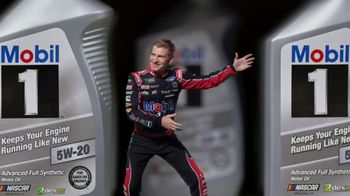 Mobil 1 TV Spot, 'Paid Spokesman: Get 250K Miles of Protection' Featuring Kevin Harvick, Clint Bowyer - Thumbnail 8