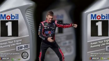 Mobil 1 TV Spot, 'Paid Spokesman: Get 250K Miles of Protection' Featuring Kevin Harvick, Clint Bowyer - Thumbnail 9
