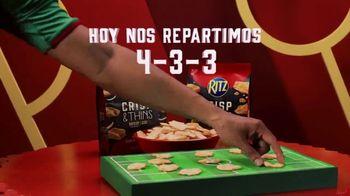 Ritz Crackers Crisp & Thins TV Spot, 'El día del partido' [Spanish] - Thumbnail 4
