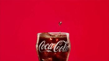 Coca-Cola TV Spot, 'Tears of Joy' Song by Jamra - Thumbnail 7