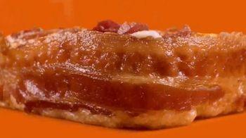 Little Caesars Bacon Wrapped DEEP!DEEP! Dish Pizza TV Spot, 'Gift Wrap' - Thumbnail 3