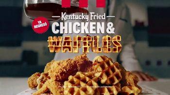 KFC Chicken & Waffles TV Spot, 'La unión más deliciosa está de vuelta' canción de Jennifer Rush [Spanish] - Thumbnail 9