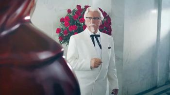 KFC Chicken & Waffles TV Spot, 'La unión más deliciosa está de vuelta' canción de Jennifer Rush [Spanish] - Thumbnail 2
