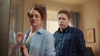 Lysol TV Spot, 'Cleaning Season Protection' - Thumbnail 4