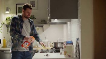 Lysol TV Spot, 'Cleaning Season Protection' - Thumbnail 9