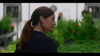 Miracle-Gro Performance Organics TV Spot, 'Finally, Organics That Work' - Thumbnail 2