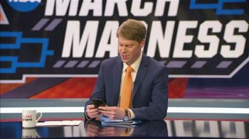 AT&T Wireless TV Spot, 'NCAA March Madness: Wife' - Thumbnail 4
