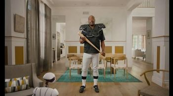 Sprint Unlimited TV Spot, 'Best of Both Worlds: Samsung Galaxy S10e' Featuring Bo Jackson - Thumbnail 4