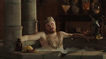 Bud Light TV Spot, 'Royal Bath' - Thumbnail 2