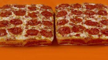 Little Caesars Bacon Wrapped DEEP!DEEP! Dish Pizza TV Spot, 'Envuelto en tocino' [Spanish] - Thumbnail 1
