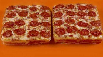 Little Caesars Bacon Wrapped DEEP!DEEP! Dish Pizza TV Spot, 'Envuelto en tocino' [Spanish] - Thumbnail 2