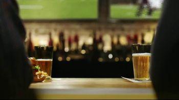 Buffalo Wild Wings $5 Select Pitchers TV Spot, 'Half-Full or Half-Empty?' - Thumbnail 6