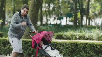 Huggies Natural Care Wipes TV Spot, 'Se adapta a los cambios improvisados' [Spanish] - Thumbnail 7