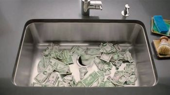 U.S. Cellular Unlimited With Paycheck TV Spot, 'Money Down the Drain' - Thumbnail 5