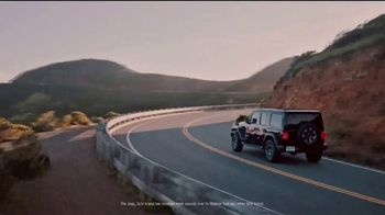 Jeep Presidents Day Sales Event TV Spot, 'Most-Awarded: 2019 Grand Cherokee Laredo' [T2] - Thumbnail 1