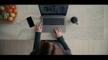 Fidelity Investments TV Spot, 'Daily Dashboard' - Thumbnail 4