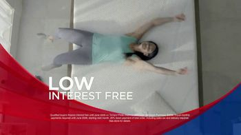 Rooms to Go Presidents' Day Mattress Sale TV Spot, 'Very Special Purchase' - Thumbnail 9