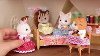 Calico Critters Red Roof Cozy Cottage TV Spot, 'Baby Carry Cases' - Thumbnail 5