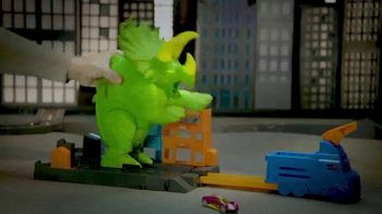 Hot Wheels City Smashin' Triceratops TV Spot, 'Give It all You Got' - Thumbnail 3
