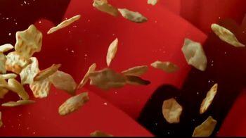 Ritz Crackers Crisp & Thins TV Spot, 'Final Four' - Thumbnail 3