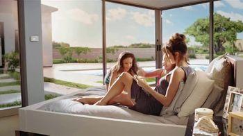 Daikin TV Spot, 'The Best Bedroom Is The Beach' - Thumbnail 7