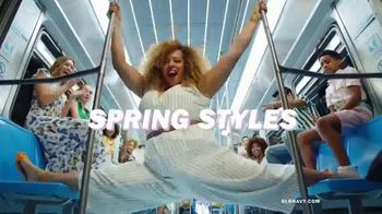 Old Navy TV Spot, 'Spring Styles: Dresses, Jeans and Tees' - Thumbnail 4