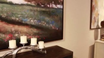 La-Z-Boy TV Spot, 'Design Tips: Accessory or Art' - Thumbnail 4
