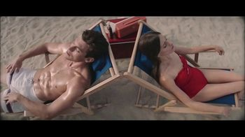 Peroni Brewery TV Spot, 'Beach Change' - Thumbnail 2
